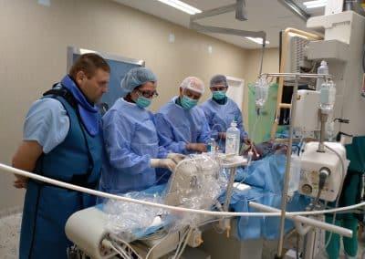 В операционната на МБАЛ Сърце и Мозък - Плевен