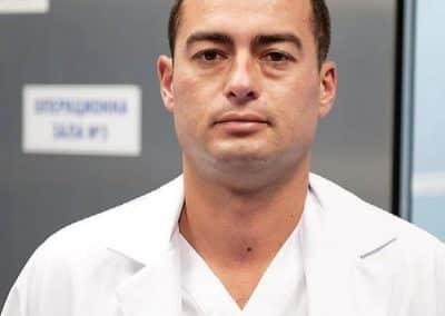 д-р Узов